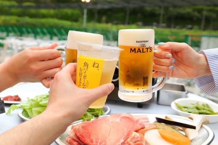 4月26日(金)より『SHINAGAWA GOOS』内に『品川ビアガーデン』がオープン。サムギョプサル食べ放題や飲み放題を、開放的な空間でお楽しみください。