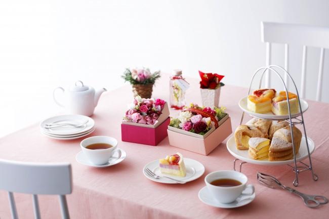 昨年13,000台販売の「お花とケーキ」のスペシャルギフト【ルタオ】母の日フラワーギフト予約受付中