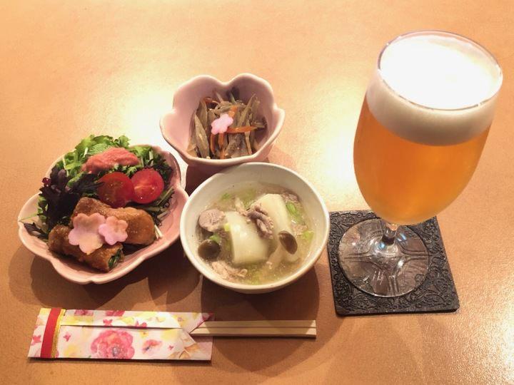1980年代の香りの仙台のバーが「オリジナル晩酌セット」を6月1日から提供開始。3,000円のお手頃価格で、料理3品ドリンク3杯