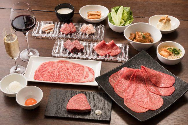 うしごろバンビーナ「銀座店」で、週末限定お値打ちランチコースが新登場。「恵比寿ヒルトップ店」には極上にぎりが堪能できる肉寿司コースが登場。