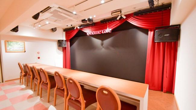 大阪・日本橋に「@ほぉ~むカフェ大阪本店」がオープン!店舗ステージに大型LEDビジョンを設置しました。