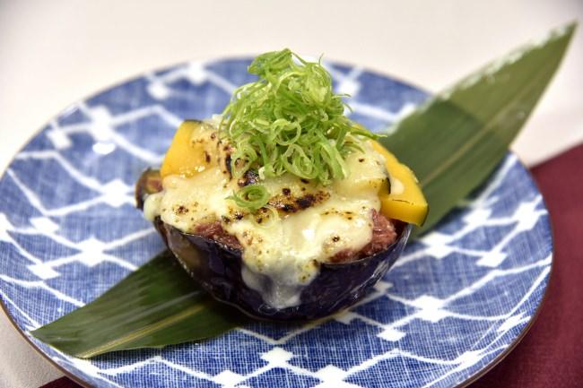 秋丸茄子の特製チーズ田楽