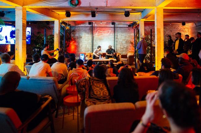 BUDX PARISで行われたトークセッションの様子