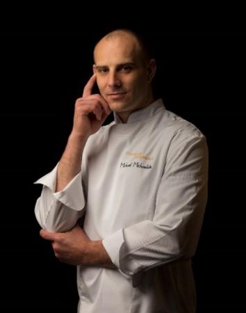 ジョエル・ロブションの総料理長 ミカエルが実演するデモンストレーション「フレンチクッキングデモンストレーション」開催!テーマはクリスマス