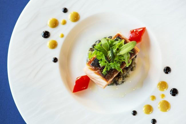 All-Day Dining OASIS GARDENのセミブッフェ メインディッシュ イメージ