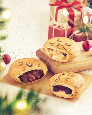 """パイのフェイスが""""サンタ""""や""""雪だるま""""に!クリスマスシーズン限定のパイ3種を今年も販売"""
