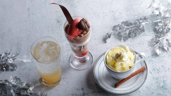 (写真左から)柚子スカッシュ、チョコレートとベリーのパフェ、アップルシナモン ラテ