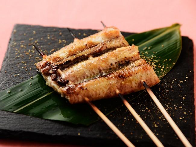 宮崎県の鰻生産量は愛知県、鹿児島県に次ぐ全国第三位と盛ん。新富町はその中心地の一つです。