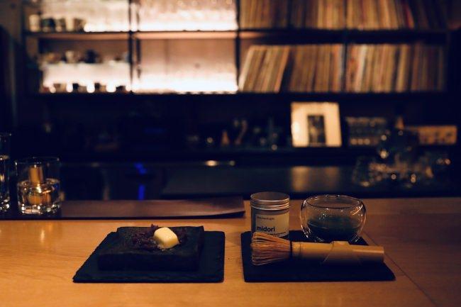 抹茶を点ててみませんか?黒あんバタートースト、クラフトコーラ。中目黒カフェ&ワインバーepulorの新メニュー。