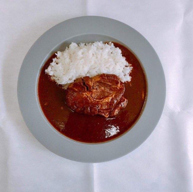 農家直送ブランド発!レトルトカレーにて最大級 特大塊肉が楽しめる「三右衛門カレー」新発売!