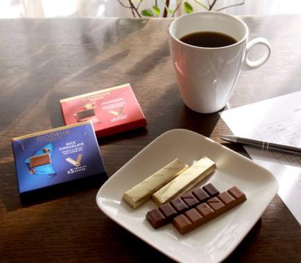 【GODIVA】ゴディバから小分けの5本入りチョコレート登場!「ゴディバ ミルクチョコレート」 「ゴディバ ストロベリー」を本日より全国のコンビニエンスストアで数量限定販売