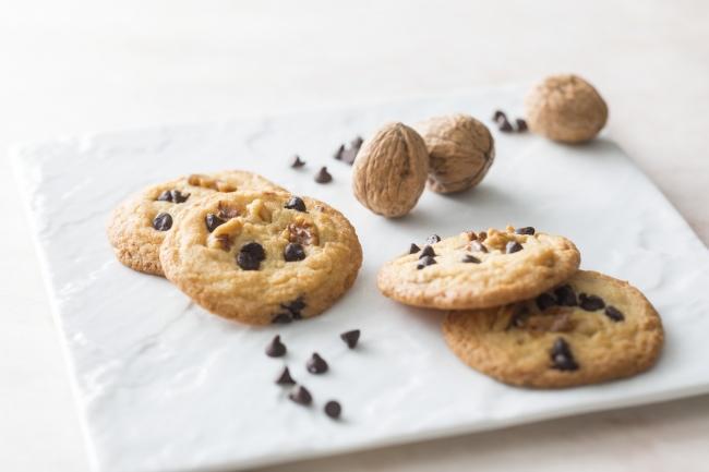 この冬のホテルオリジナルスイーツは、チョコレートとクルミの自家製クッキー イメージ