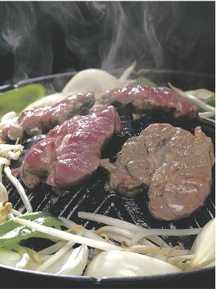 千歳ラム工房 北海道産サフォークラム 税込み2916円(200g)※写真は調理例です。