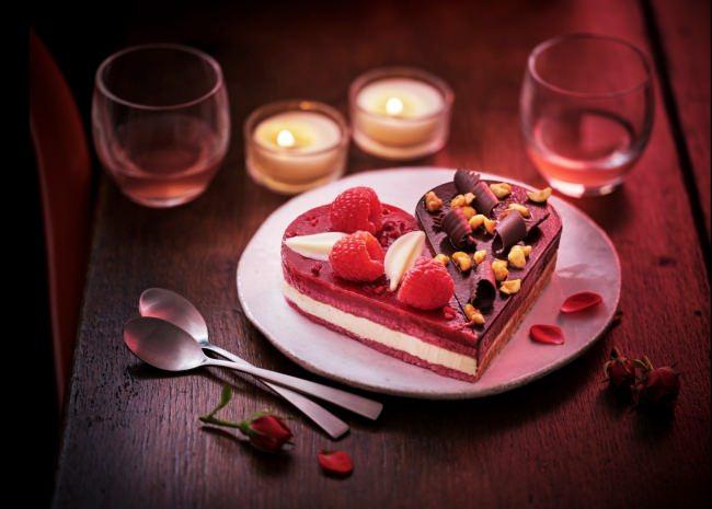 """【冷凍食品専門店Picard】Picardで楽しむ""""ご褒美バレンタイン""""をご提案~シェアするハートのデザートが期間限定で登場~"""