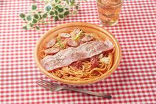 【待望の復活!】ナポリタン専門店『スパゲッティーのパンチョ』と『ファミリーマート』のスペシャルコラボパスタ「大盛ナポリタン ベーコンのせ」を新発売!