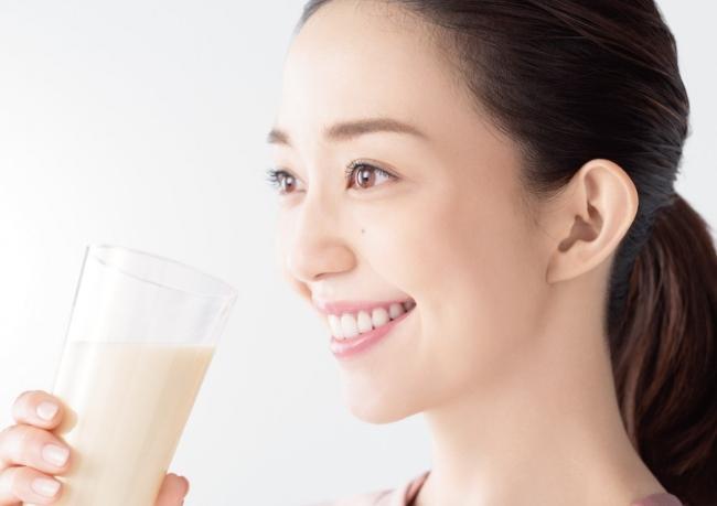 人気モデル松島花さんの様々な日常の姿をお届け!「アーモンド効果」新TV-CM『続けてる理由』篇 3月2日(月)より全国で放映開始