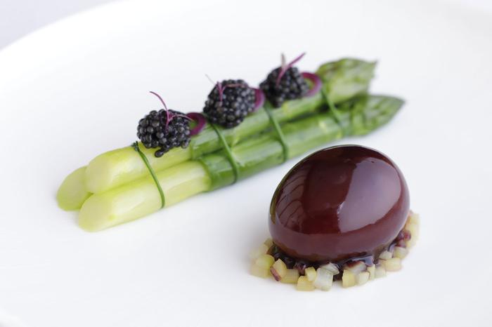 フランス発のレストランガイドブック「ゴ・エ・ミヨ2020」でオーベルジュ・ド・リル サッポロ、フィリップ・ミル 東京が今年も変わらぬ評価を獲得