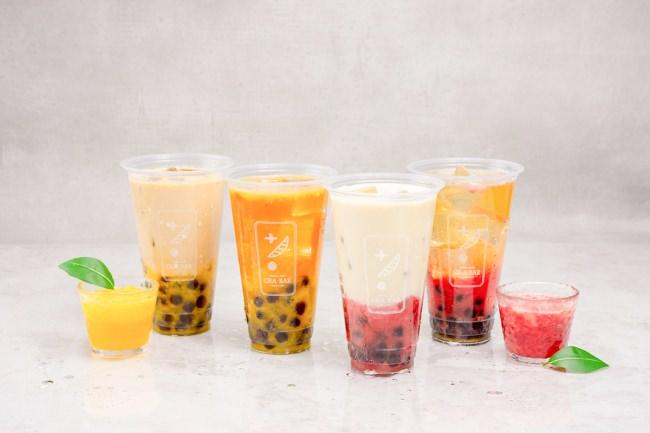 「お茶×フルーツピューレ」茶ラテ 440円・ストレート茶 420円(税込・タピオカ無料)