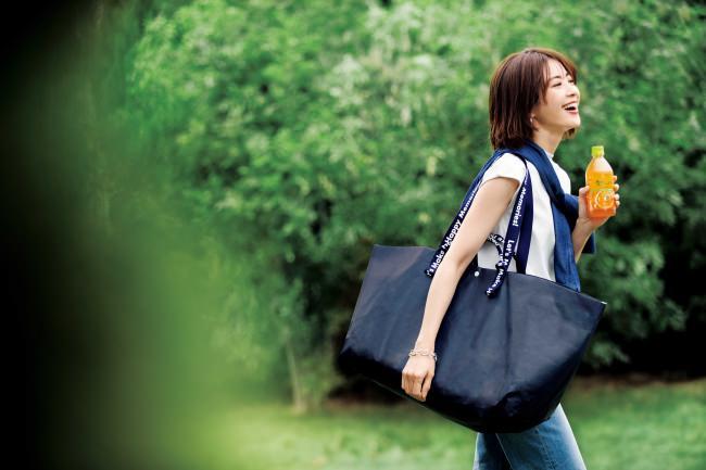 STORY×伊藤園「絶対もらえる! 感動の香り体験! キャンペーン」が4月6日(月)にスタート