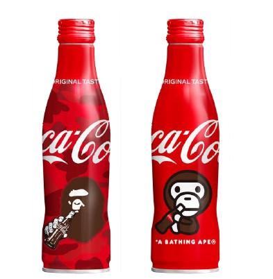 """""""スリムボトル""""から初登場! 人気ファッションブランドA BATHING APE®のコラボデザインボトル2種 「コカ・コーラ」スリムボトル BAPE®デザイン"""