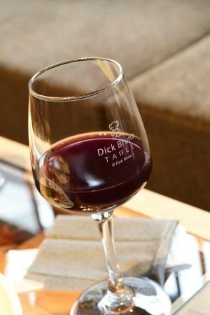 ワイングラスは2階ショップで購入することもできます