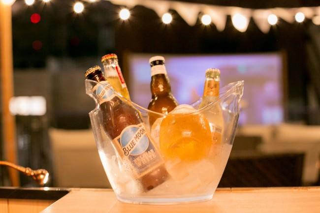 世界のビール、世界のジュースを提供