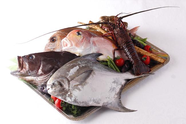 新鮮な魚介類を目の前でお選びいただけます。