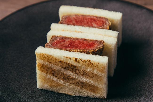 ・牛ヒレカツサンド じっくり煮込んだ自家製デミグラスソース ※横浜店限定