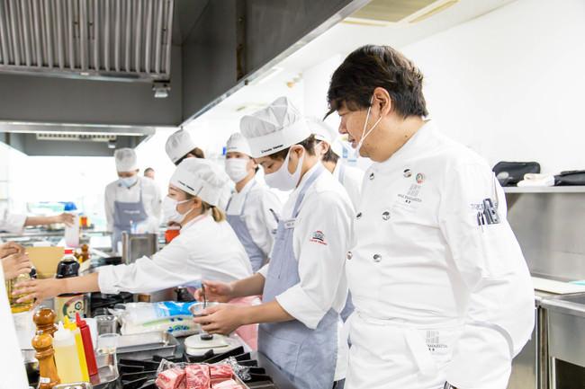 大阪産食材で地元生産者にエールを! 山下春幸シェフが地元農家を応援しながら「食のサステナビリティ」を伝授