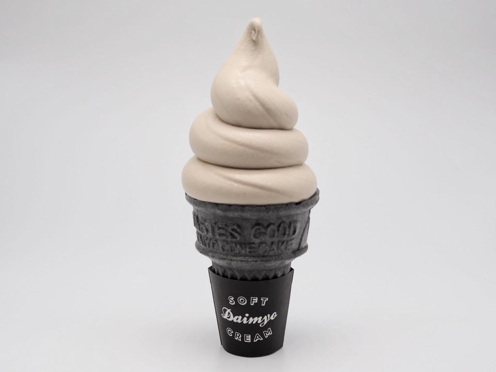 秋の新作ソフトクリーム、2種類のフレーバーが登場! 焼き栗たっぷり「マロン」& ハロウィン期間限定の「パンプキン」