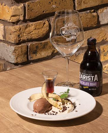 <世界のビール博物館>ダークチョコレートのジェラート マスカルポーネチーズとラム酒のシロップ添え ¥990