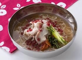 ■梅梅冷麺 830円(税込913円)