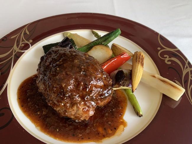 唐津市の食材がふんだんに使われたコース料理のイメージ