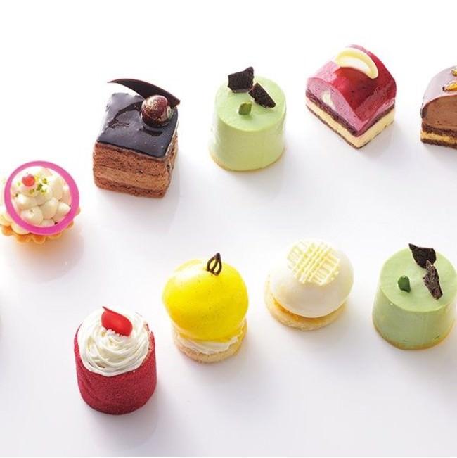 季節で変わる宝石のような姫ケーキ。 2口で食べられる小ささゆえ、数個チョイスできるのも嬉しい