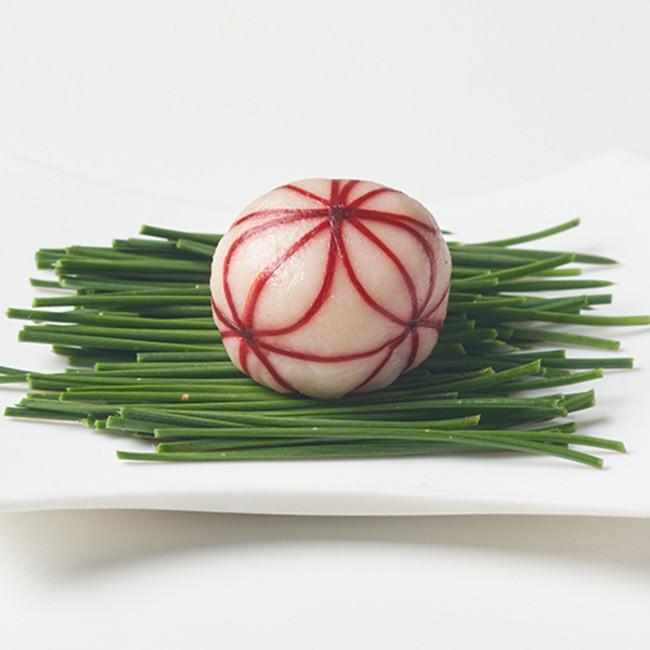 粒餡華手まり: 華やかさとモチモチ感がアップ