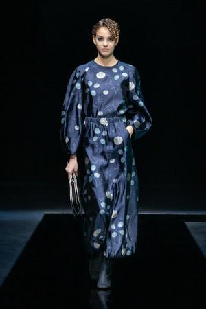 GIORGIO ARMANI 21-22秋冬コレクションファッションショーより