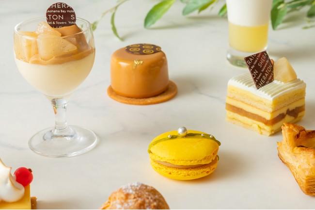 洋梨のムース キャラメルソース(左上) 柚子ショコラ(上中央)