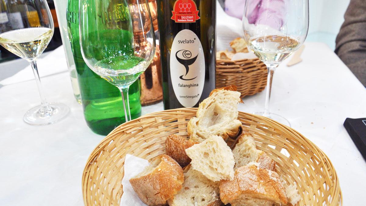 Brot & Wein am Stand von Guido Giovo: Falanghina del Sannio aus Kampanien