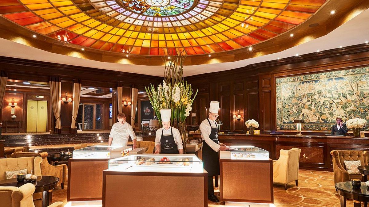 Tee Time in der Lobby des Hotels. Foto VJ