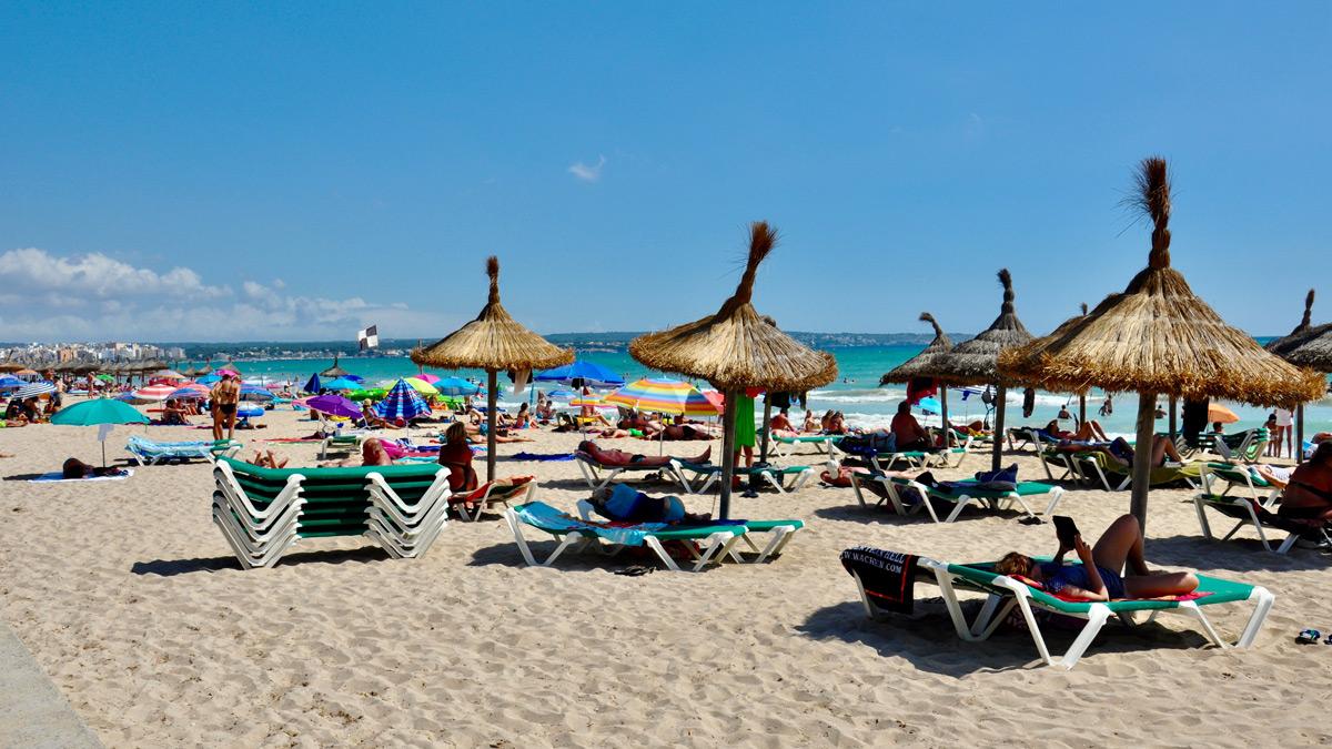 El Arenal: ruhiger Sandstrand mit guten Hotels. Foto WR