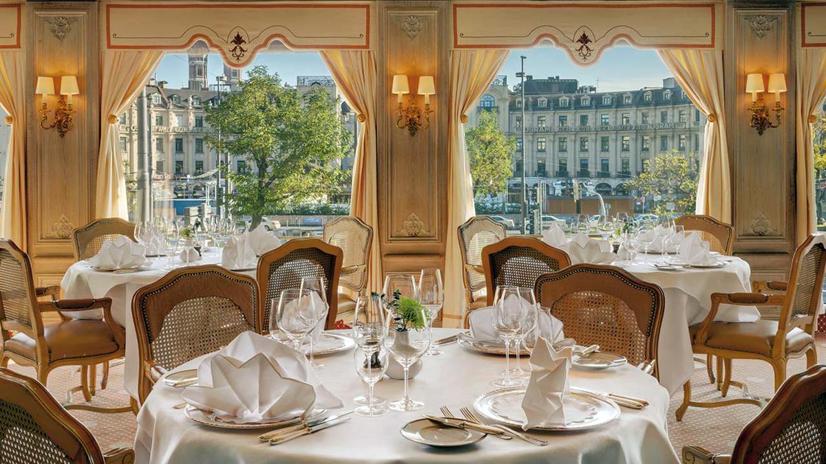 Das Restaurant im Königshof: Für Gourmets einer der schönsten Plätze in München. Foto Königshof