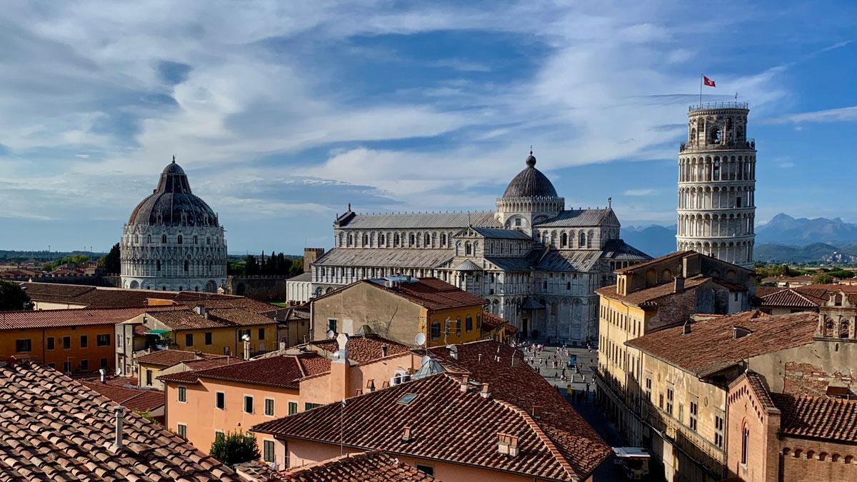 Pisa: Herrliche Aussicht vom Dach des Grand Hotel Duomo auf den Dom, das Baptisterium und den schiefen Turm. Foto WR