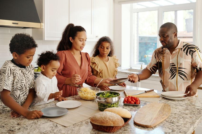 repas détendu en famille