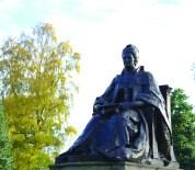 Isabella Elder, statue in Elder Park, Govan, image by Alice Gordon 2014