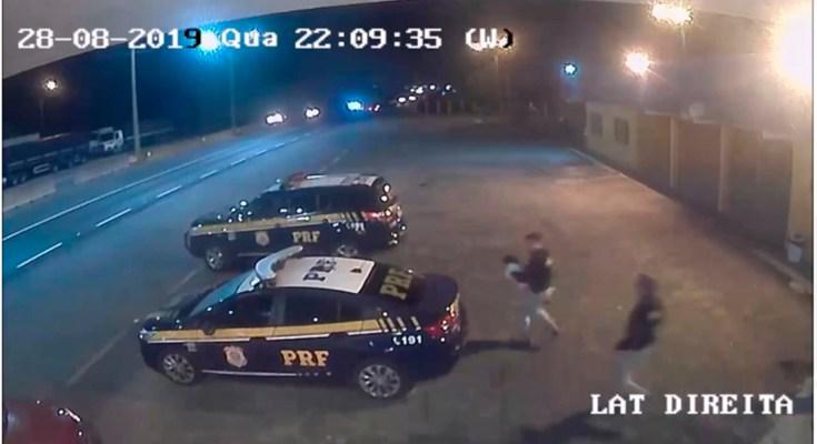 Policiais Rodoviários Federais socorrem bebê engasgada na BR 101 em Barra Velha
