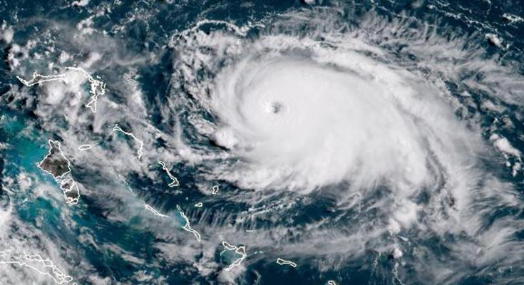 População na Flórida está em alerta para chegada do furacão Dorian