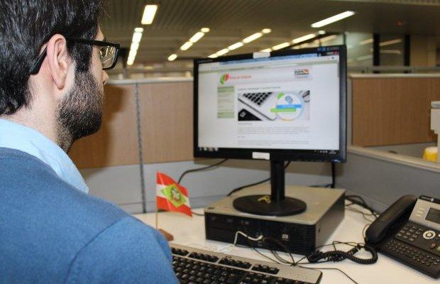 Empresas interessadas em fornecer produtos e serviços ao Estado Santa Catarina poderão fazer, a partir de 16 de outubro, o cadastro para participar de licitações de maneira online