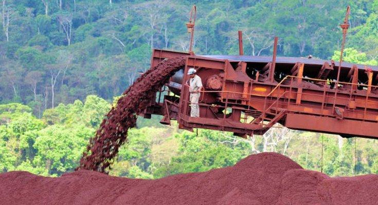 Pesquisa do IBGE mostra que produção industrial retomou crescimento em agosto