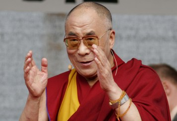 http://www.todayifoundout.com/wp-content/uploads/2013/04/dalai-lama.jpg