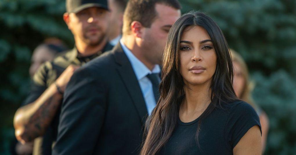 Kim Kardashian z družino obiskala Armenijo: Kritizirali so jo, ker se je ob tej priložnosti krstila